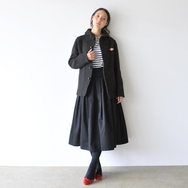 DANTONダントンレディースウールモッサ素材のコートスカートコーデ